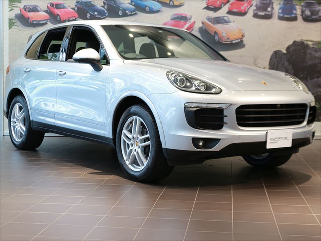 MY17 Cayenne Platinum Edition【S19-0601A】