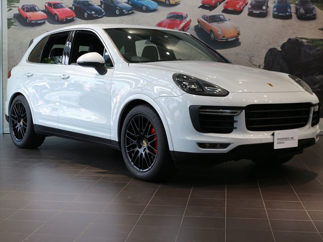 MY15 Cayenne Turbo RHD【S19-0309S】