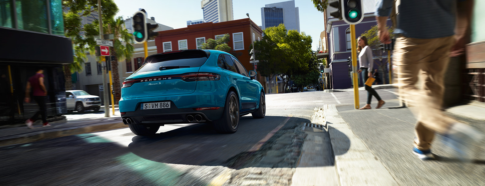 Porsche - The new Macan Debut Fair
